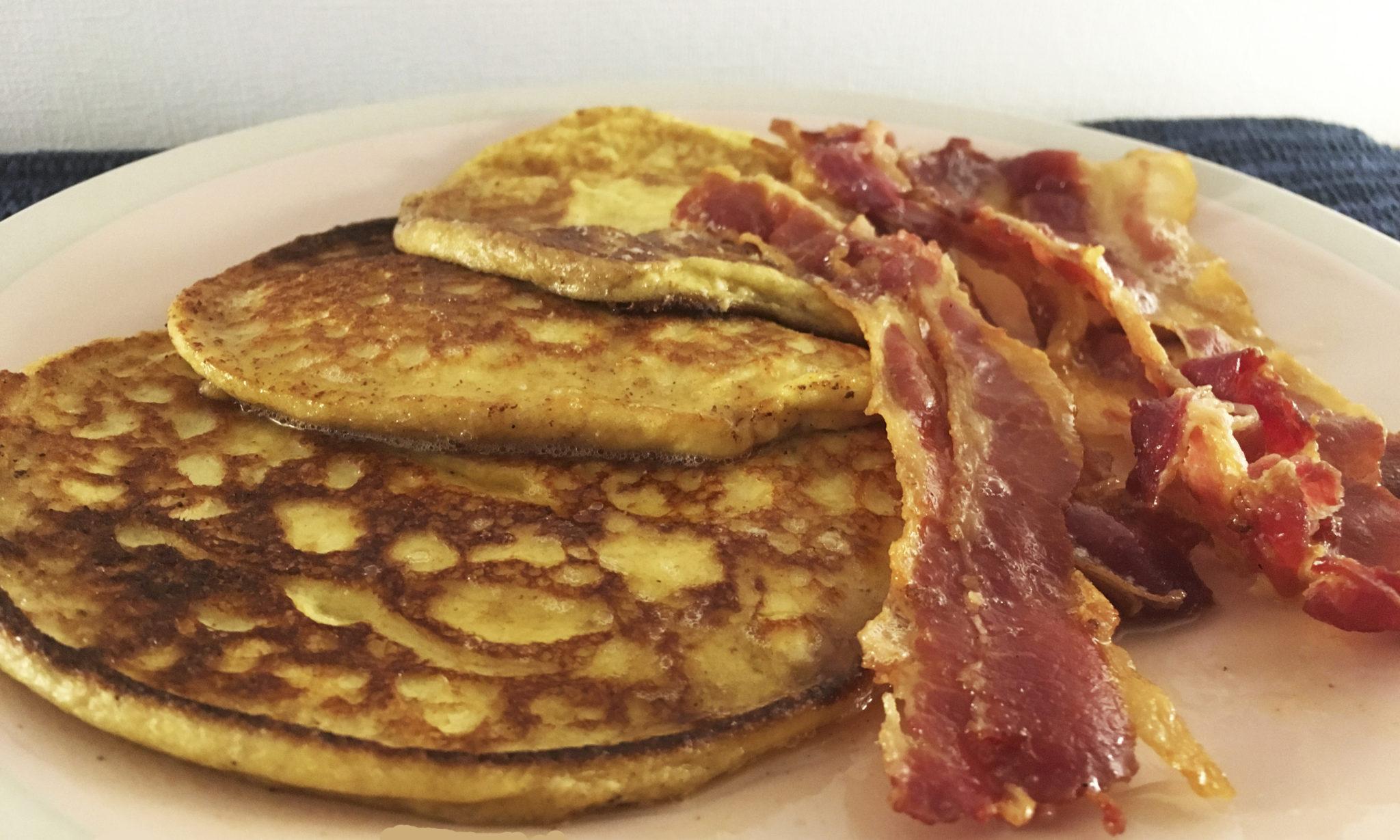 Pannekaker og bacon